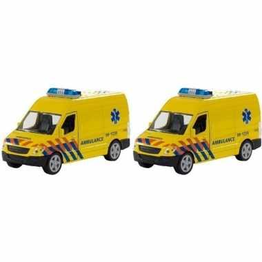 Groothandel 2x speelgoed ambulance met licht en geluid kopen
