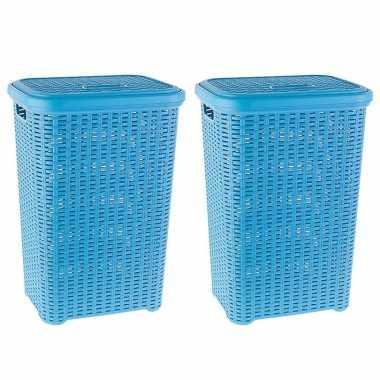 Groothandel 2x stuks grote rotan wasmand met deksel van 60 liter in het lichtblauw speelgoed kopen