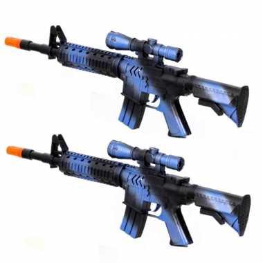 Groothandel 2x stuks kinder speelgoed verkleedwapens/machinegeweren soldaten/leger met geluid 39 cm kopen