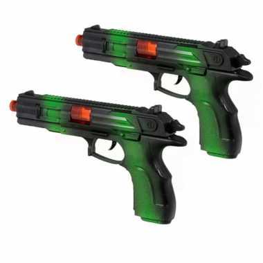 Groothandel 2x stuks kinder speelgoed verkleedwapens/pistolen soldaten/leger met licht en geluid 23 cm kopen