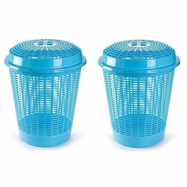Groothandel 2x stuks ronde wasmanden/opberg mand met deksel 50 liter in het lichtblauw speelgoed kopen