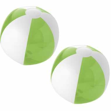 Groothandel 5x stuks opblaas groen/witte strandballen 30 cm waterspeelgoed kopen