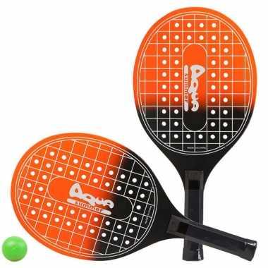 Groothandel actief speelgoed tennis/beachball setje oranje/zwart met tennisracketmotief kopen