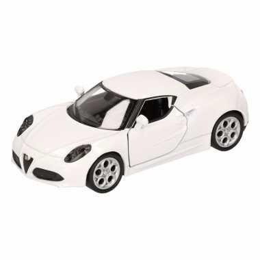 Groothandel speelgoed alfa romeo 4c 2013 wit welly autootje 16 cm kop