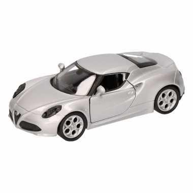 Groothandel speelgoed alfa romeo 4c 2013 zilver welly autootje 16 cm