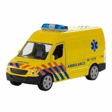 Groothandel speelgoed ambulance met licht en geluid kopen