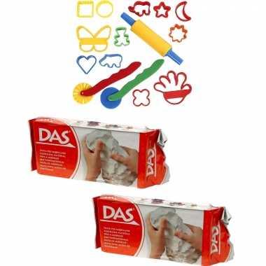 Groothandel speelgoed klei combi pakket van 2 kilo witte klei met 15-delige kleivormen set kopen