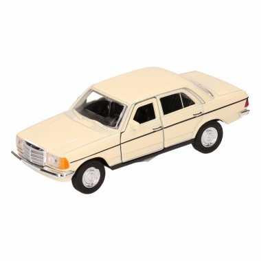 Groothandel speelgoed mercedes-benz w123 geel welly autootje 16 cm ko