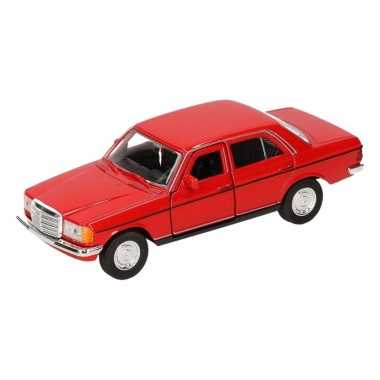 Groothandel speelgoed mercedes-benz w123 rode welly autootje 16 cm ko