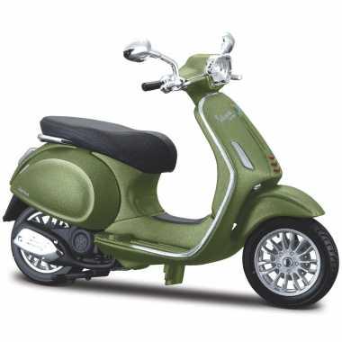 Groothandel speelgoed scooter vespa sprint 150 abs 2018 olijfgroen schaalmodel 1:18/10 x 4 x 6 cm kopen