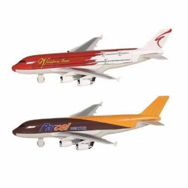 Groothandel speelgoed vliegtuigen setje van 2 stuks bruin en rood 19 cm kopen