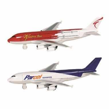 Groothandel speelgoed vliegtuigen setje van 2 stuks wit en rood 19 cm kopen