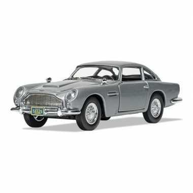 Groothandel speelgoedauto aston martin db5 james bond schaal 1:36 zilver - 12 x 4 cm kopen