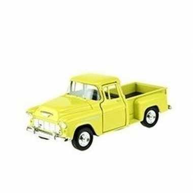 Groothandel speelgoedauto chevrolet 1955 stepside geel 1:34 kopen