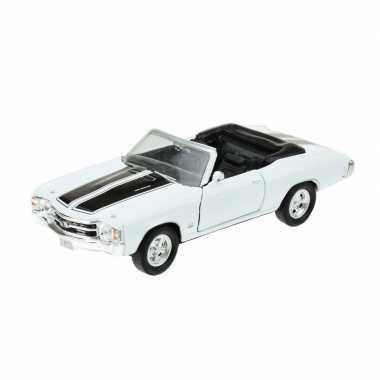 Groothandel speelgoedauto chevrolet 1971 chevelle wit 1:34 kopen