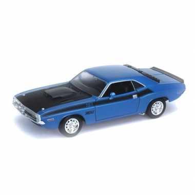 Groothandel speelgoedauto dodge challenger 1970 blauw 1:34 kopen
