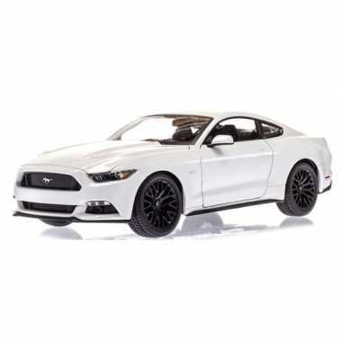 Groothandel speelgoedauto ford mustang gt wit 1:36 kopen