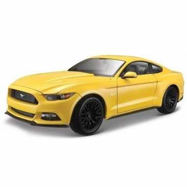 Groothandel speelgoedauto ford mustang gt1:36 geel kopen