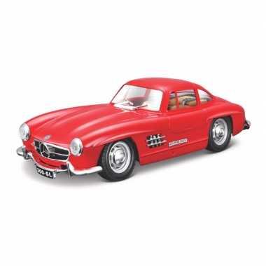 Groothandel speelgoedauto mercedes-benz 300sl 1954 rood 1:24/19 x 7 x 5 cm kopen