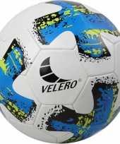 Groothandel buitenspeelgoed voetbal blauw wit 23 cm maat 5