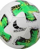 Groothandel buitenspeelgoed voetbal groen wit 23 cm maat 5