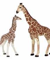 Groothandel plastic speelgoed dieren figuur giraffe 19 cm met baby van 9 cm