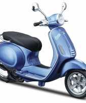 Groothandel speelgoed scooter vespa primavera 50 blauw schaalmodel 1 12 22 x 10 x 8 cm